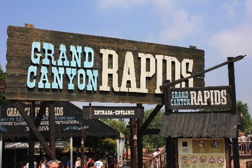 Attraction Port Aventura : Grand Canyon Rapids(© Espagne-Facile.com)